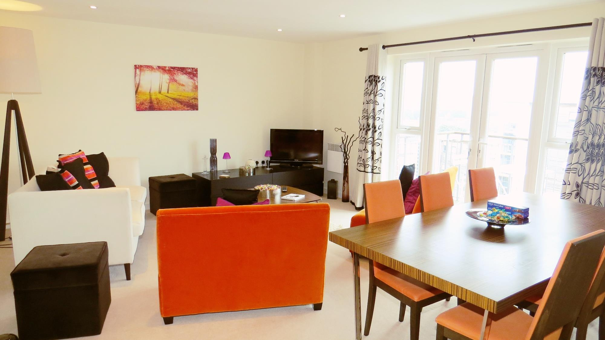 LUXURY FLAT FOR SALE IN POOLE REDUCED!